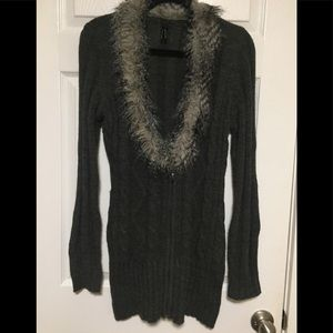Lapis gray sweater with faux fur collar XL